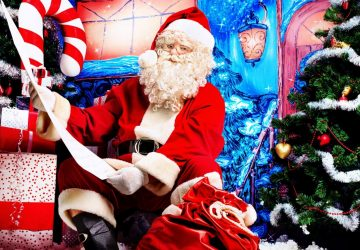 Images Of Santa Claus And Christmas Tree